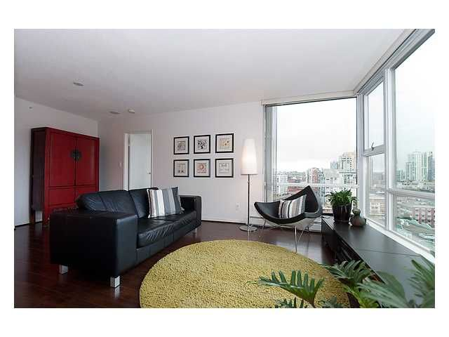 "Main Photo: 1809 1008 CAMBIE Street in Vancouver: Yaletown Condo for sale in ""Waterworks by Concord Pacific"" (Vancouver West)  : MLS®# V938842"