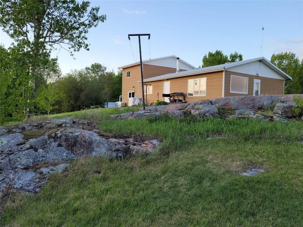 Main Photo: 96065 PTH 11 Highway in Alexander RM: Lac Du Bonnet Residential for sale (R28)  : MLS®# 202124088