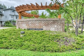Photo 1: 66 Crystal Shores Cove: Okotoks Row/Townhouse for sale : MLS®# C4305435