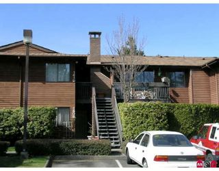 """Photo 1: 410 10620 150TH Street in Surrey: Guildford Townhouse for sale in """"LINCOLNS GATE"""" (North Surrey)  : MLS®# F2826558"""