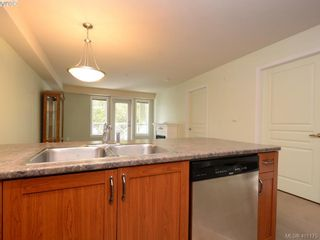 Photo 9: 201 655 Goldstream Ave in VICTORIA: La Fairway Condo for sale (Langford)  : MLS®# 800503
