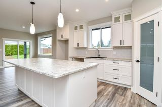 Photo 5: 739 Bushbuck Dr in : CR Campbell River Central House for sale (Campbell River)  : MLS®# 856148
