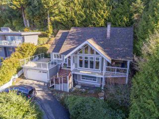 Photo 2: 40 KELVIN GROVE Way: Lions Bay House for sale (West Vancouver)  : MLS®# R2546369