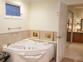 Photo 10: 2468 WESTHILL Court in West Vancouver: Westhill House for sale : MLS®# R2602038