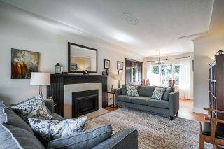 Photo 2: 7949 SUNCREST Drive in Burnaby: Suncrest House for sale (Burnaby South)  : MLS®# R2389884
