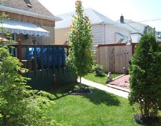 Photo 17: 432 PARR ST.: Residential for sale (Canada)  : MLS®# 2800392