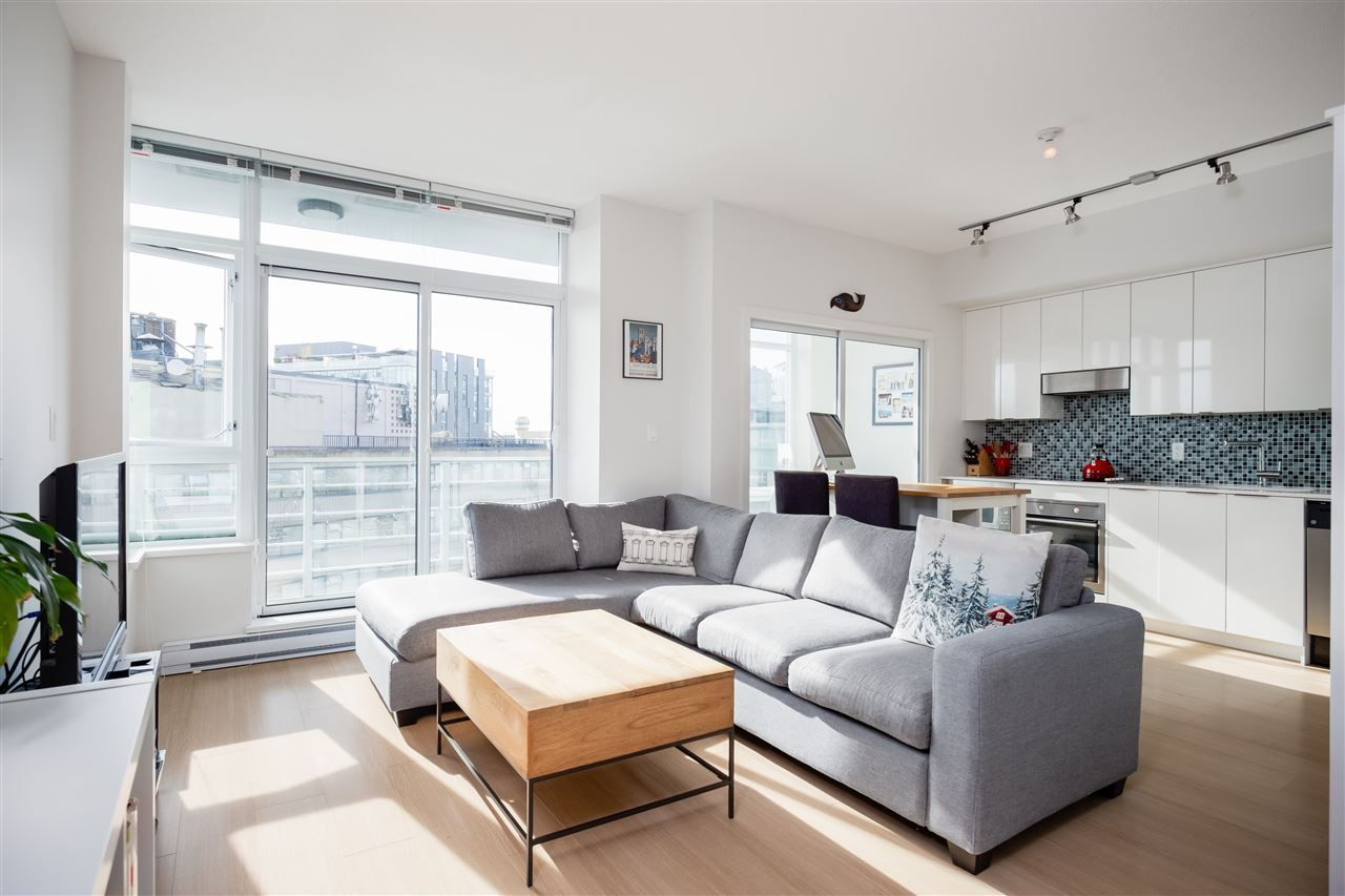 Main Photo: 905 2788 PRINCE EDWARD STREET in Vancouver: Mount Pleasant VE Condo for sale (Vancouver East)  : MLS®# R2368751