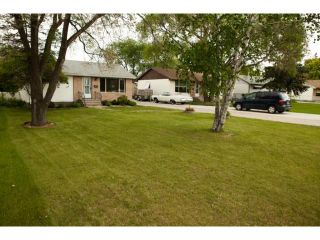 Photo 3: 144 Harper Avenue in WINNIPEG: Windsor Park / Southdale / Island Lakes Residential for sale (South East Winnipeg)  : MLS®# 1312734
