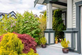 Photo 2: 19607 73A Avenue in Langley: Willoughby Heights House for sale : MLS®# R2575520
