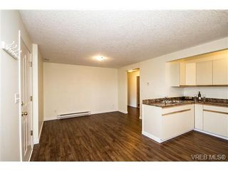 Photo 15: 11 709 Luscombe Pl in VICTORIA: Es Esquimalt House for sale (Esquimalt)  : MLS®# 690941