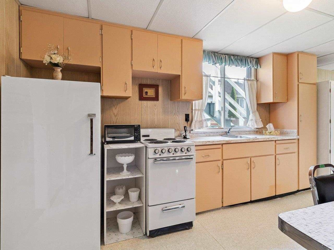 Photo 23: Photos: 1510 CHARLAND Avenue in Coquitlam: Central Coquitlam House for sale : MLS®# R2577681
