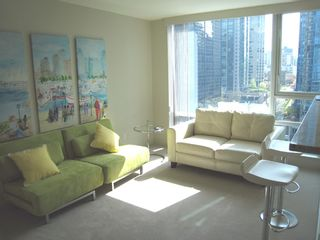 Photo 8: 1404 499 BROUGHTON STREET in DENIA @ Waterfront Place: Home for sale