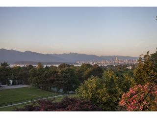"Photo 11: 4216 W 8TH Avenue in Vancouver: Point Grey House for sale in ""POINT GREY"" (Vancouver West)  : MLS®# V1125944"