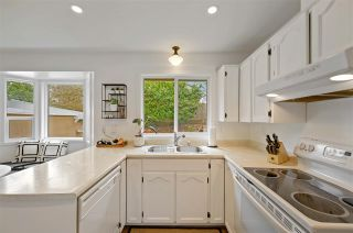 """Photo 15: 17210 62A Avenue in Surrey: Cloverdale BC House for sale in """"GREENAWAY"""" (Cloverdale)  : MLS®# R2559037"""