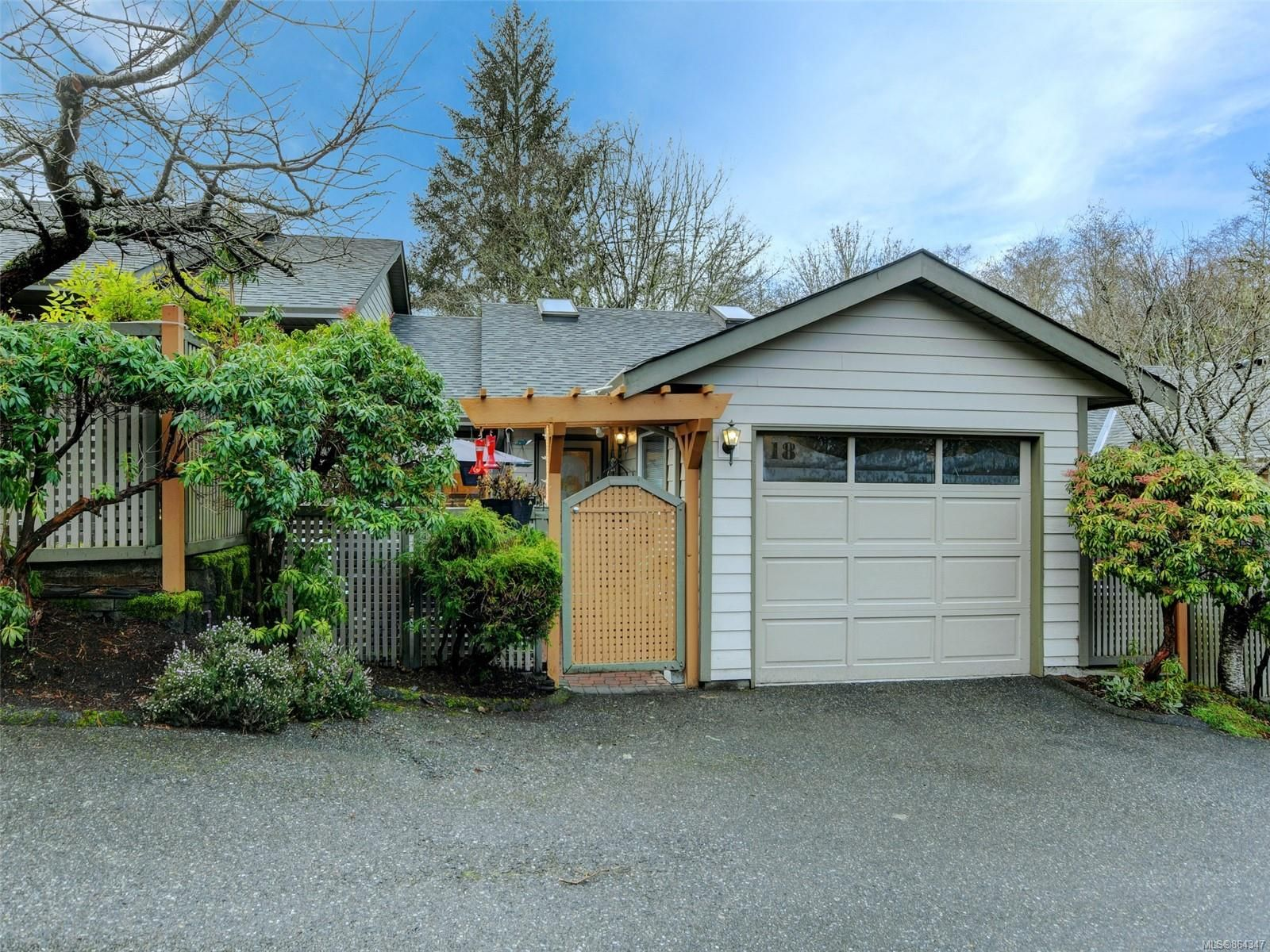 Main Photo: 18 2190 Drennan St in : Sk Sooke Vill Core Row/Townhouse for sale (Sooke)  : MLS®# 864347