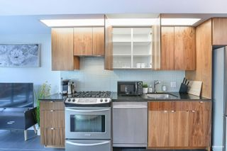 """Photo 2: 207 33 W PENDER Street in Vancouver: Downtown VW Condo for sale in """"33 LIVING"""" (Vancouver West)  : MLS®# R2625220"""