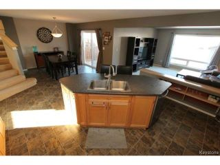 Photo 5: 27 Nevens Bay in WINNIPEG: Transcona Residential for sale (North East Winnipeg)  : MLS®# 1505127