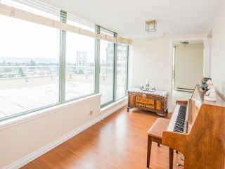 """Photo 9: 1340 7288 ACORN Avenue in Burnaby: Highgate Condo for sale in """"THE DUNHILL"""" (Burnaby South)  : MLS®# V993020"""