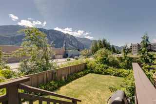 "Photo 12: 1272 STONEMOUNT Place in Squamish: Downtown SQ Townhouse for sale in ""Eaglewind - Streams"" : MLS®# R2075437"
