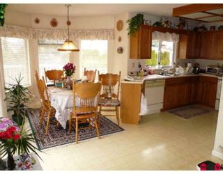 Photo 3: 15263 93A Avenue in Surrey: Fleetwood Tynehead House for sale : MLS®# F2904443
