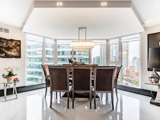 Photo 2: 1505 1010 BURNABY STREET in Vancouver: West End VW Condo for sale (Vancouver West)  : MLS®# R2613983