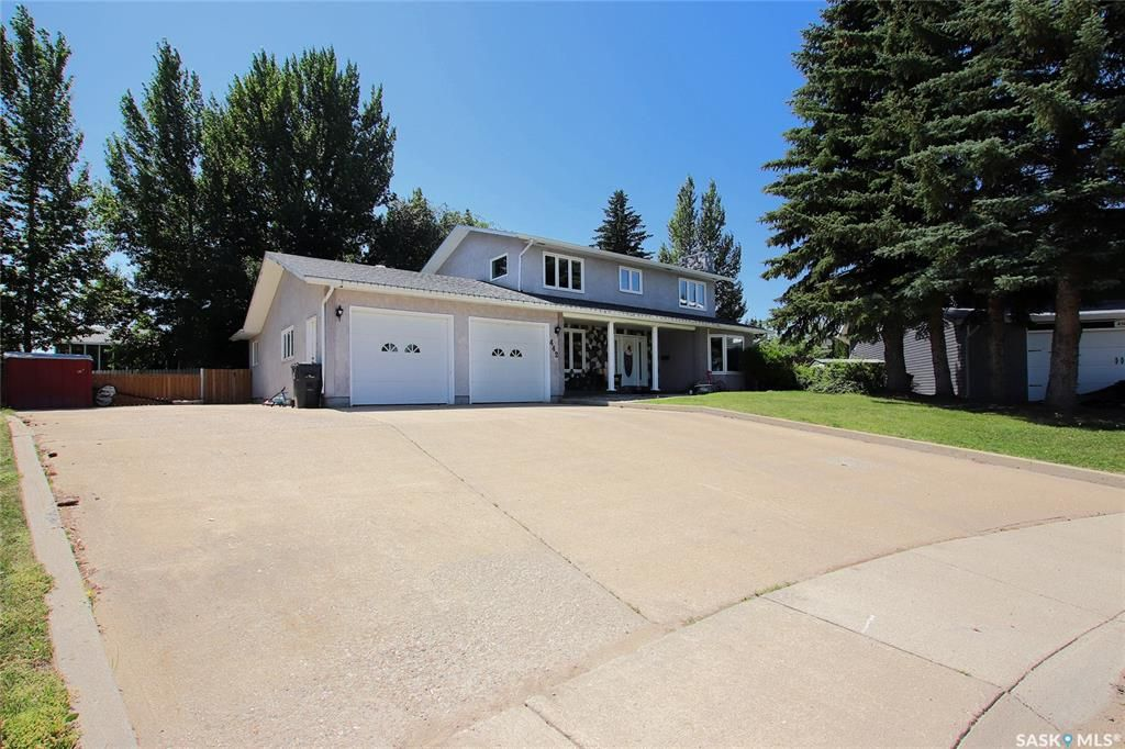 Welcome to 442 Middleton Place located in Swift Current, Saskatchewan!