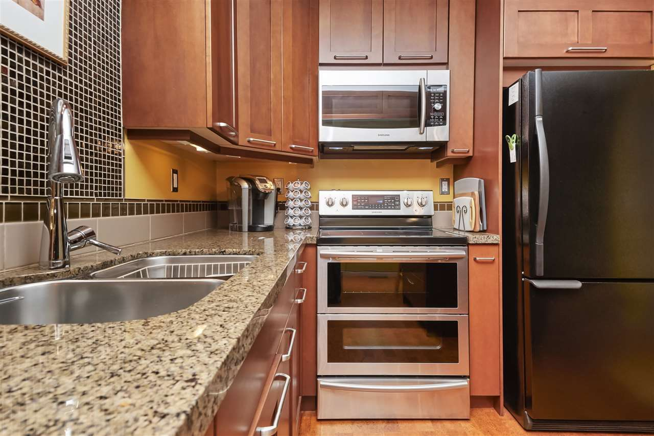 Photo 10: Photos: 7360 TOBA PLACE in Vancouver: Champlain Heights Townhouse for sale (Vancouver East)  : MLS®# R2430087