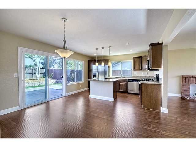 Photo 6: Photos: MIRA MESA House for sale : 3 bedrooms : 9076 Kirby Court in San Diego