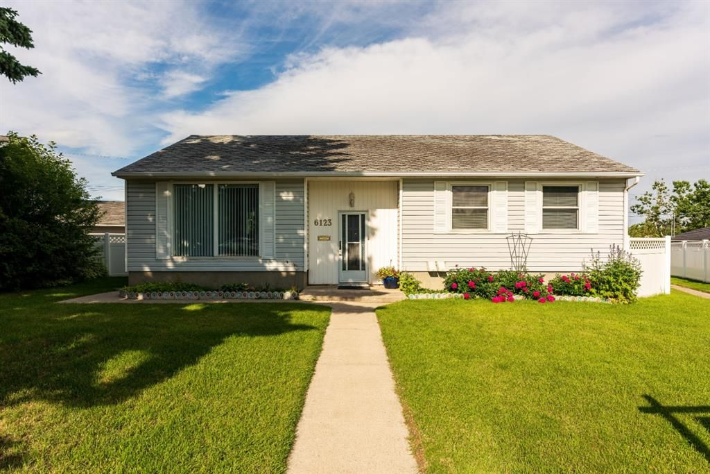 Main Photo: 6123 LOCKINVAR Road SW in Calgary: Lakeview Detached for sale : MLS®# A1010719
