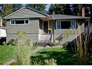 Photo 1: 3624 HENDERSON Avenue in North Vancouver: Lynn Valley House for sale : MLS®# V1087597