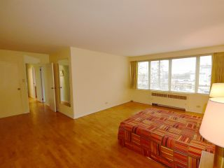 """Photo 12: 408 1445 MARPOLE Avenue in Vancouver: Fairview VW Condo for sale in """"HYCROFT TOWERS"""" (Vancouver West)  : MLS®# R2047974"""