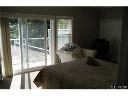 Photo 4: Photos:  in VICTORIA: VR Six Mile Row/Townhouse for sale (View Royal)  : MLS®# 433344