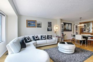 Photo 7: 1650 Westmount Boulevard NW in Calgary: Hillhurst Semi Detached for sale : MLS®# A1136504