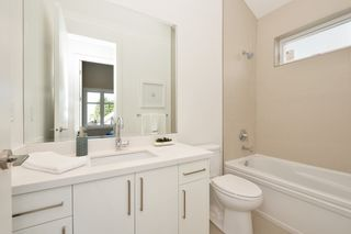 """Photo 10: 88 E 26TH Avenue in Vancouver: Main House for sale in """"MAIN STREET"""" (Vancouver East)  : MLS®# R2108921"""