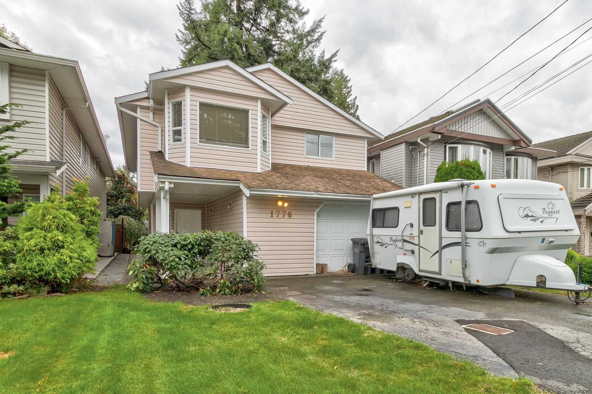 Main Photo: 1776 LANGAN Avenue in Port Coquitlam: Central Pt Coquitlam House for sale : MLS®# R2620273
