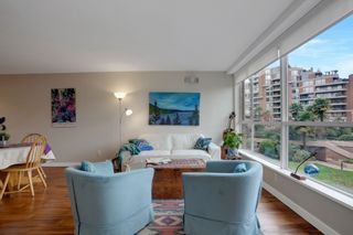 """Photo 10: 209 1490 PENNYFARTHING Drive in Vancouver: False Creek Condo for sale in """"Harbour Cove 3"""" (Vancouver West)  : MLS®# R2560559"""