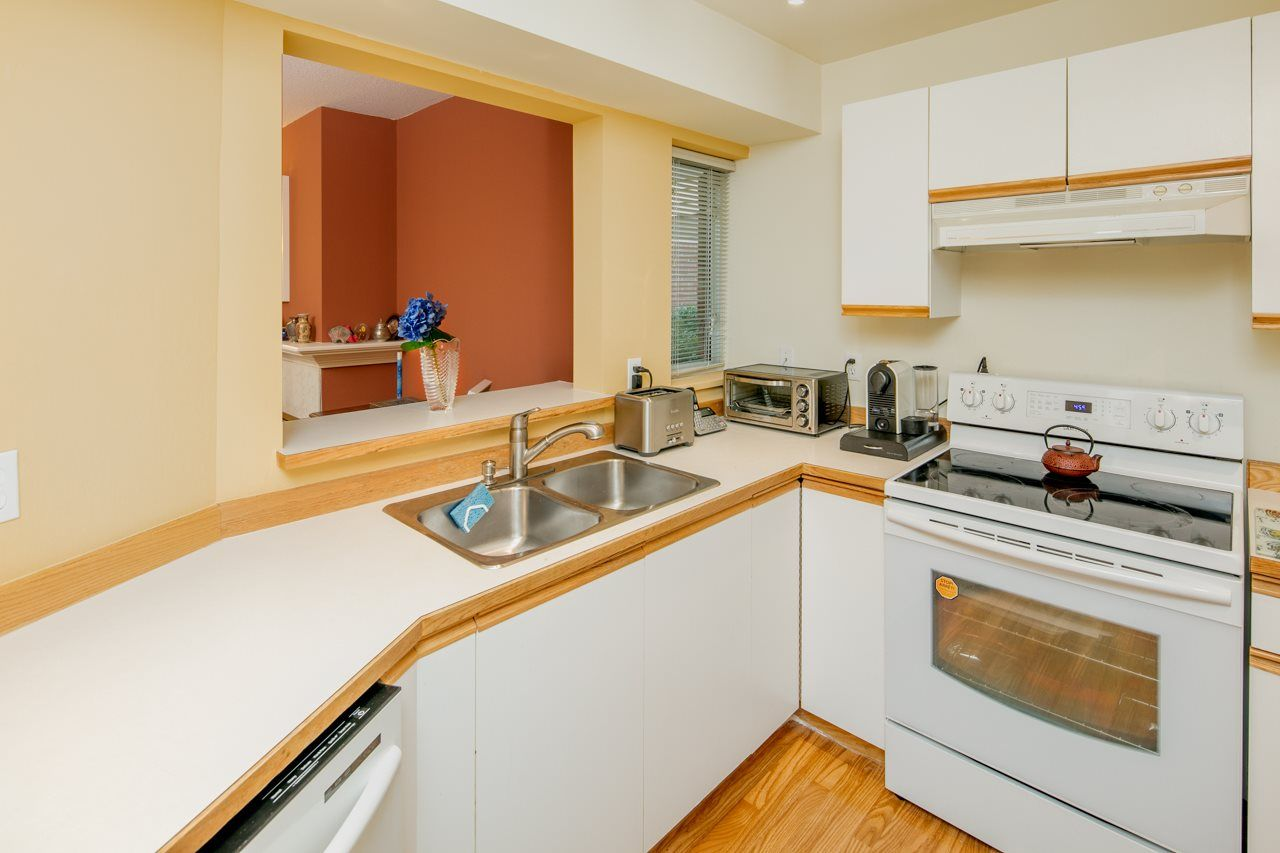Photo 7: Photos: 109 628 W 13TH AVENUE in Vancouver: Fairview VW Condo for sale (Vancouver West)  : MLS®# R2205140
