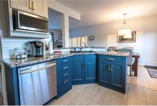 Photo 11: 143 Capri Avenue NW in Calgary: Charleswood Detached for sale : MLS®# A1114057