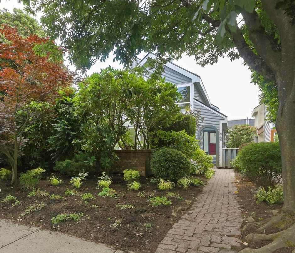 Main Photo: 846 W 13TH Avenue in Vancouver: Fairview VW 1/2 Duplex for sale (Vancouver West)  : MLS®# R2386211