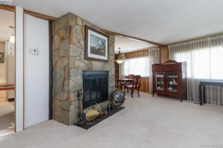 Photo 3: 11 151 Cooper Rd in VICTORIA: VR Glentana Manufactured Home for sale (View Royal)  : MLS®# 805155