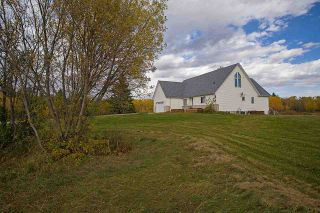 Photo 5: 22033 TWP RD 530: Rural Strathcona County House for sale : MLS®# E4230012