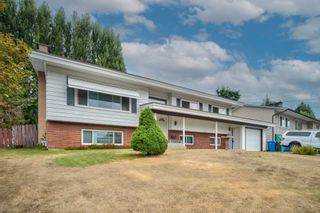 Photo 1: 2148 OPAL Place in Abbotsford: Central Abbotsford House for sale : MLS®# R2614701