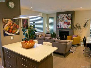 Photo 4: 490 South Joffre St in VICTORIA: Es Saxe Point Half Duplex for sale (Esquimalt)  : MLS®# 816980