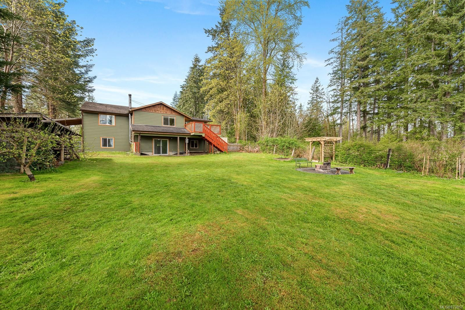 Main Photo: 76 Leash Rd in : CV Courtenay West House for sale (Comox Valley)  : MLS®# 873857