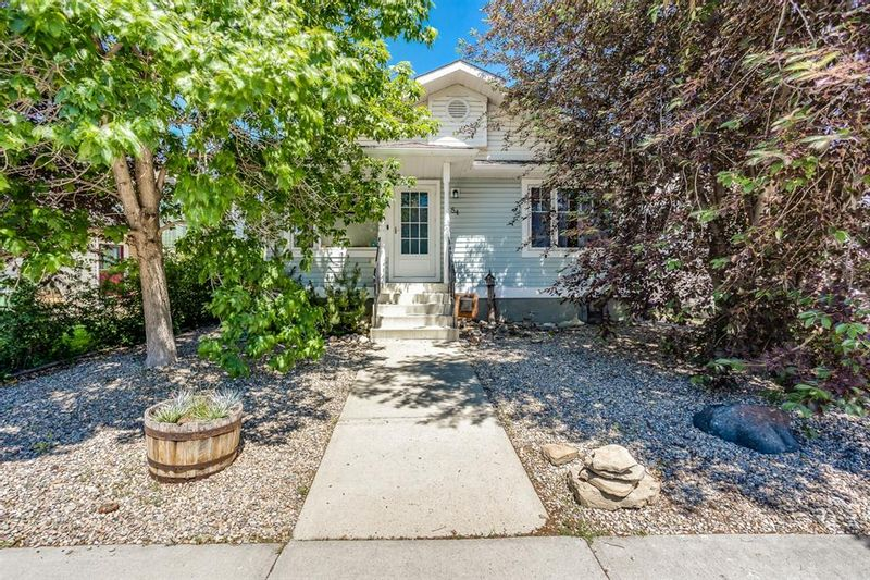 FEATURED LISTING: 84 Silver Creek Boulevard Northwest Airdrie