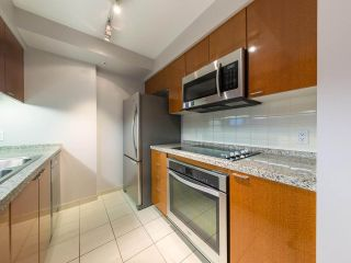 """Photo 14: 1202 1200 ALBERNI Street in Vancouver: West End VW Condo for sale in """"Palisades"""" (Vancouver West)  : MLS®# R2527140"""