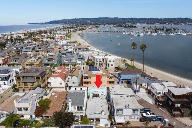 Main Photo: Property for sale: 834 Jamaica Court in San Diego