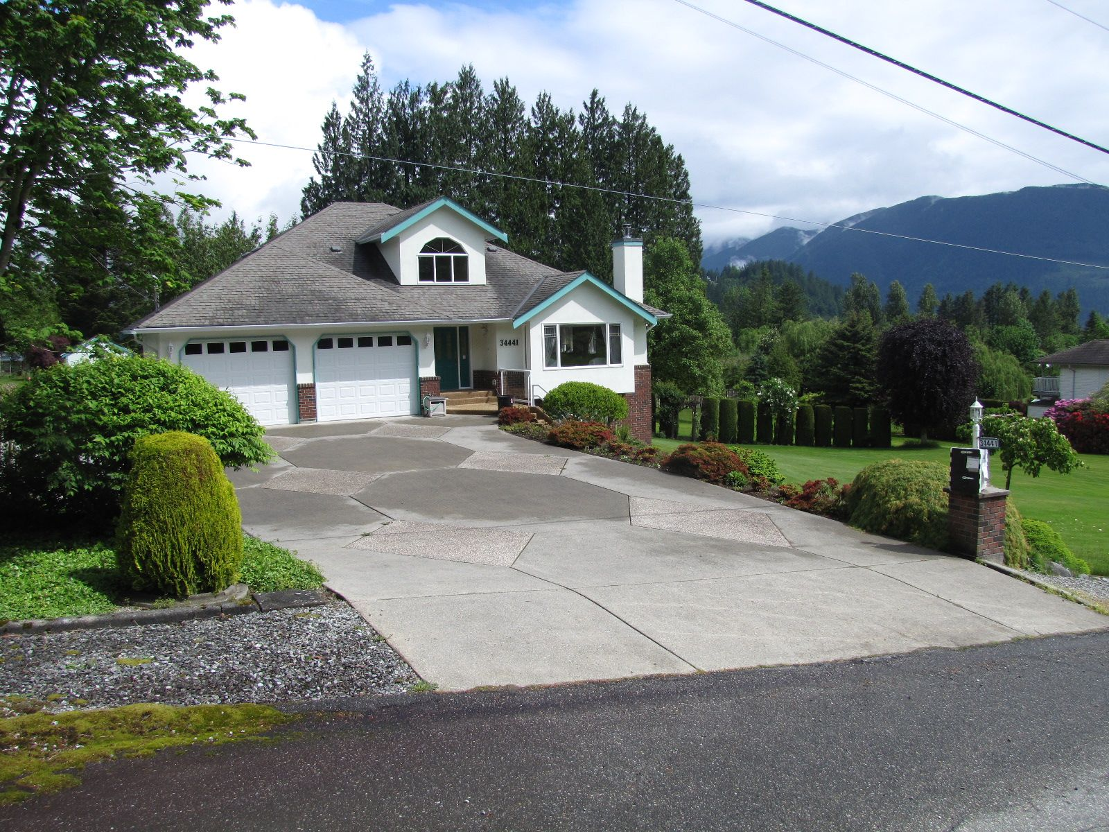 Main Photo: 34441 PENNER Avenue: House for sale