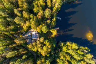 """Photo 16: 13702 CAMP BURLEY Road in Garden Bay: Pender Harbour Egmont House for sale in """"Mixal Lake"""" (Sunshine Coast)  : MLS®# R2485235"""