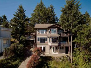 "Photo 2: 393 SKYLINE Drive in Gibsons: Gibsons & Area House for sale in ""The Bluff"" (Sunshine Coast)  : MLS®# R2272922"